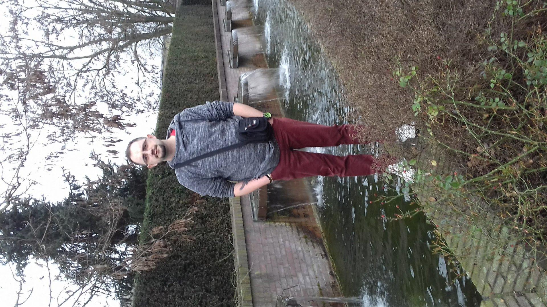 Lukasz 85 uit Limburg,Nederland